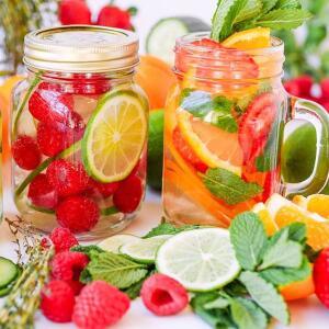 Чем утолить жажду в летний день? Прощай газировка, здравствуй фруктовая вода!