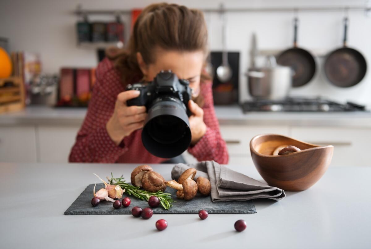 Become a food photographer