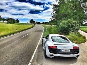 На заметку автолюбителю. Как обезопасить летнее вождение?