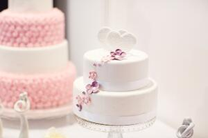 Какой он, самый красивый торт на свадьбу?