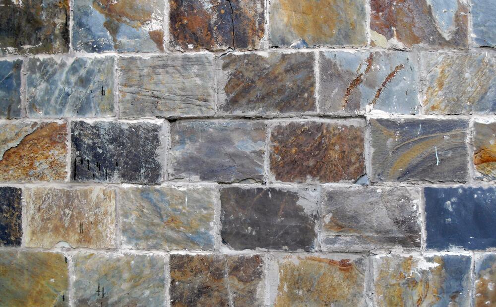 Дизайн интерьера. Почему люди делают выбор в пользу искусственного камня?