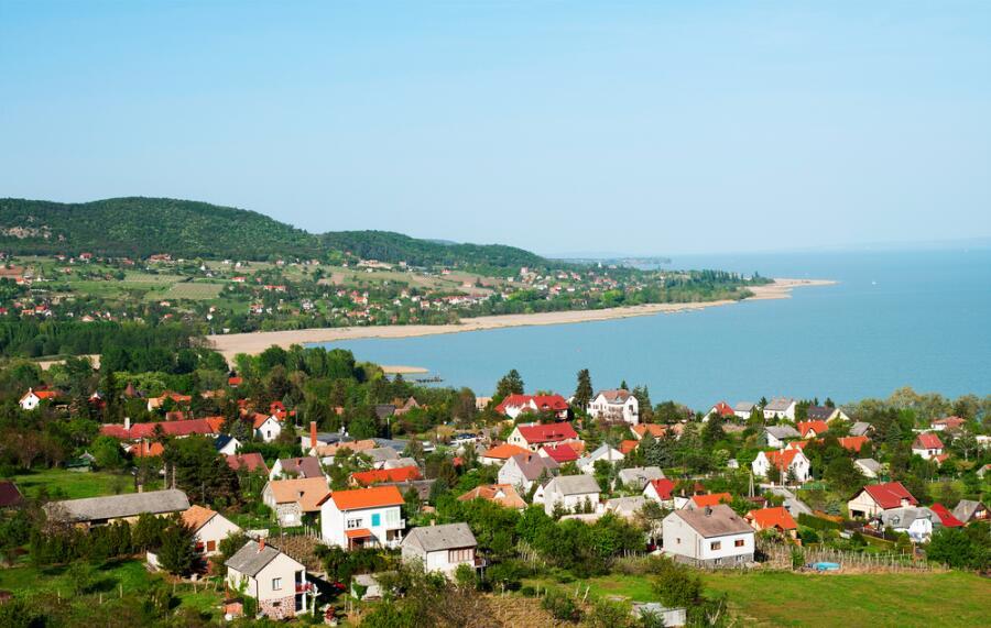 Маленькая деревня на берегу озера Балатон, Венгрия