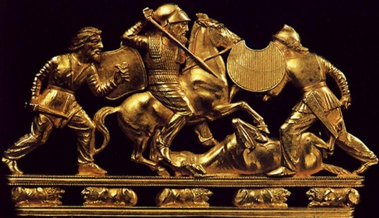 Бой трех скифов. Фрагмент золотого гребня из кургана Солоха