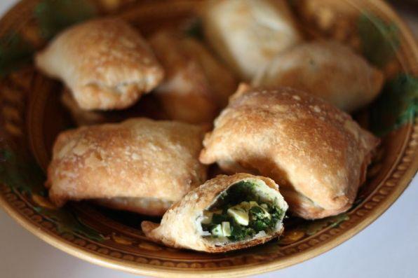 Пирожки с начинкой из лебеды и яиц