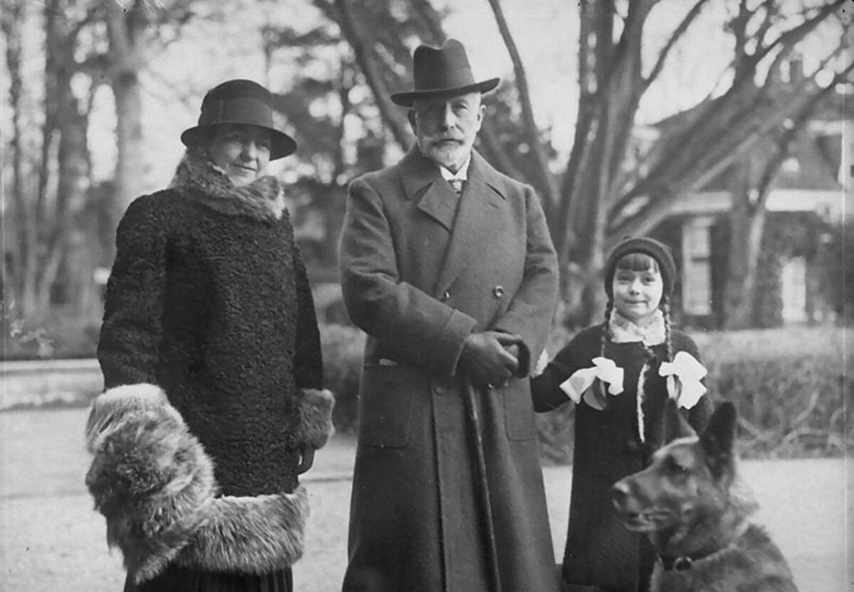 Гермина вместе со своим вторым мужем, Вильгельмом II и дочерью Генриеттой Герминой