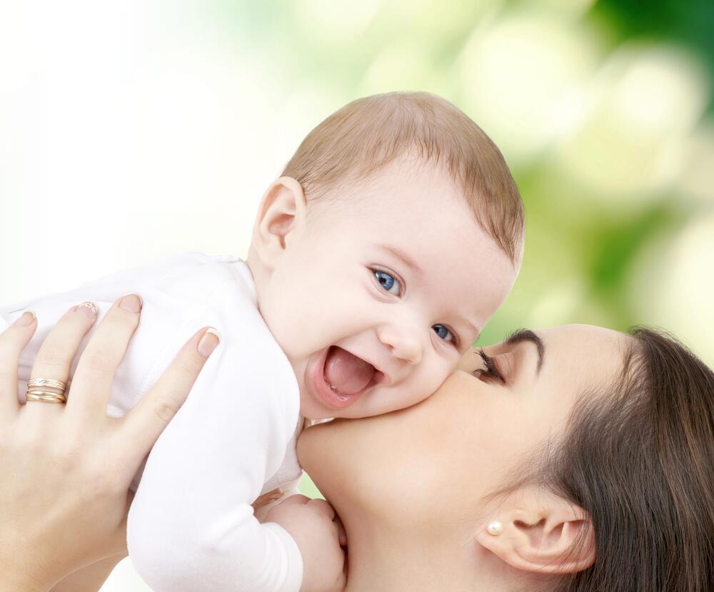 Развивающие занятия для ребенка с рождения до 3 месяцев. Как развивать новорождённого