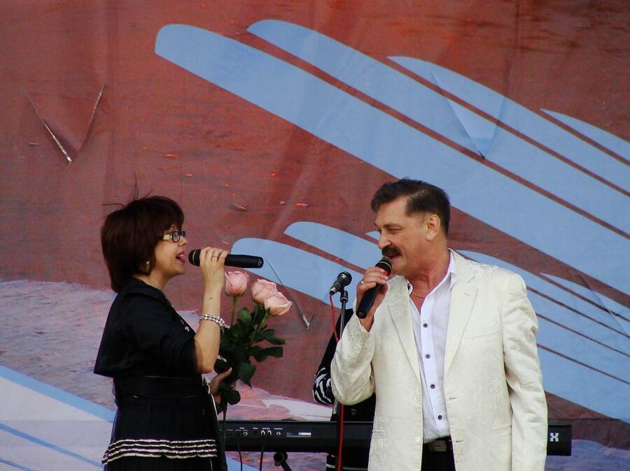 Александр Тиханович и Ядвига Поплавская. Северодвинск, День ВМФ, 2009 год