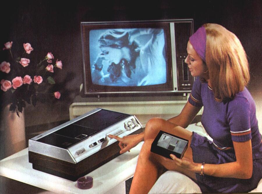 Реклама первого домашнего видеомагнитофона Philips VCR1500, 1974 г.