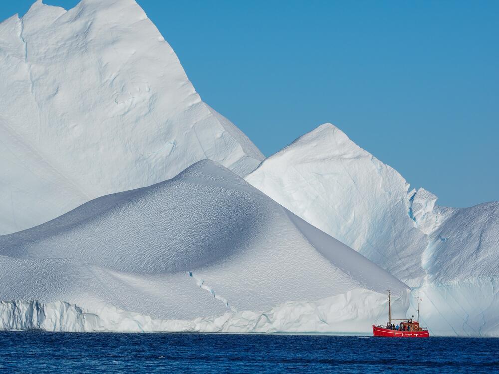 Как случился Бергксит? Гигантский айсберг отправился в плавание!