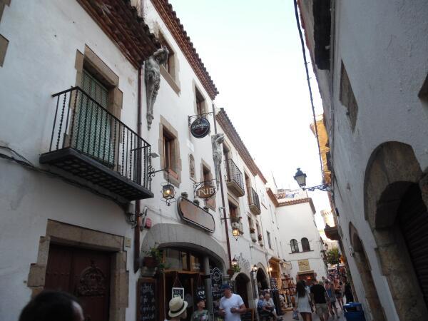 «В глухой провинции у моря». Чем знаменит испанский городок Тосса де Мар? Часть 1