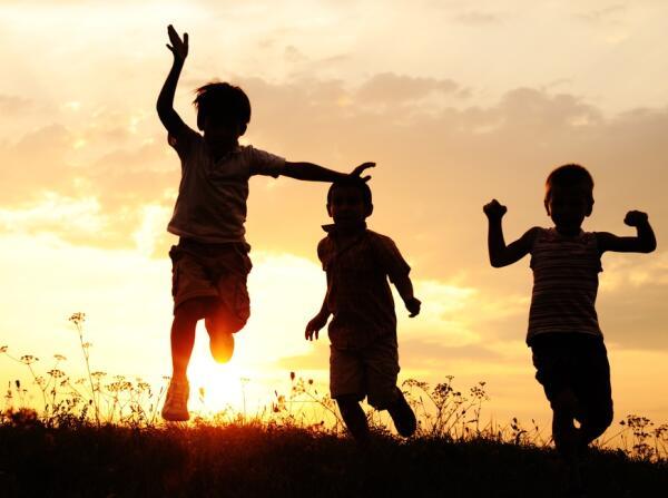 Как играть в чижика? Детские игры на открытом воздухе