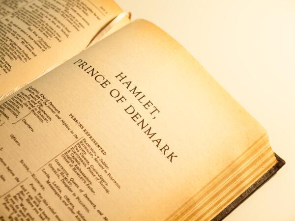 И снова о тайнах Шекспира. Кто на самом деле был автором великих драматических произведений?