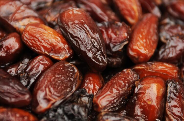 23 вида аминокислот, содержащихся в финиках, отсутствуют в большинстве других фруктов