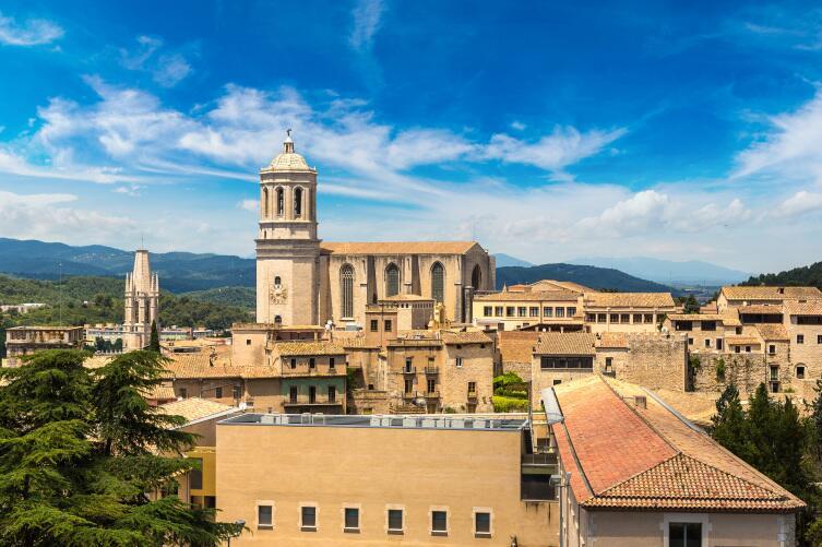 Панорамный вид города Жирона
