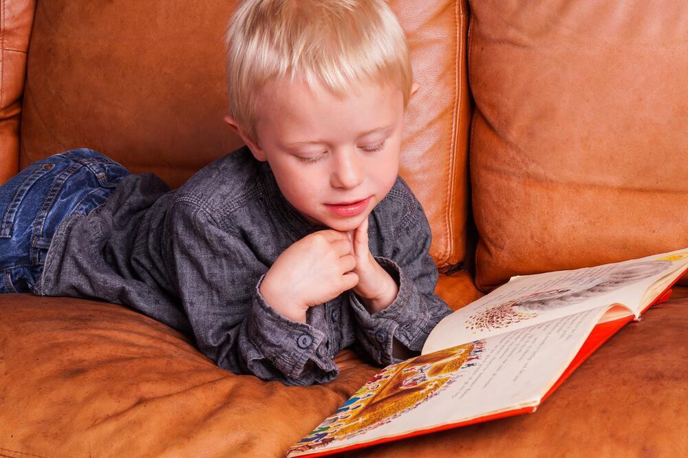 Ребенок учится читать: что делать со всеми этими буквами? Часть 1