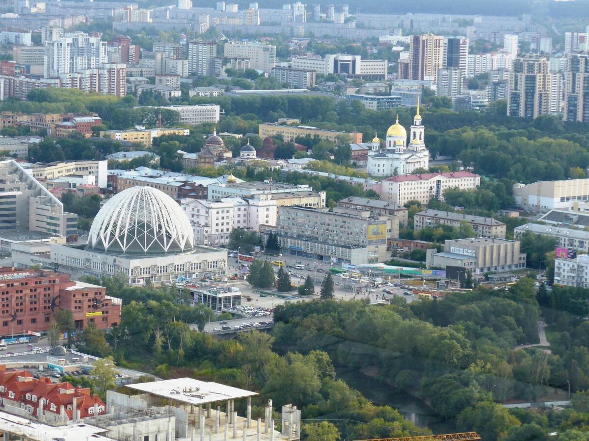 Вид со смотровой площадки «небоскреба Высоцкого»