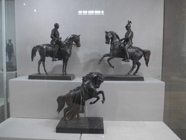 Чугунные статуэтки коней