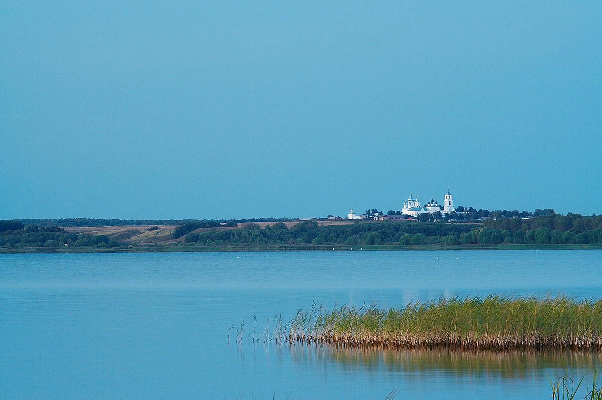 Подробнее Плещеево озеро и Никитский монастырь