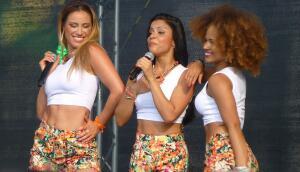 Старые мелодии для новых песен. Какова история создания хитов «Samba De Janeiro» и «Your Woman»?