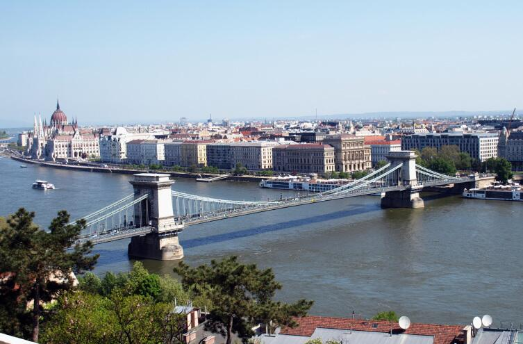 Вид на Цепной мост