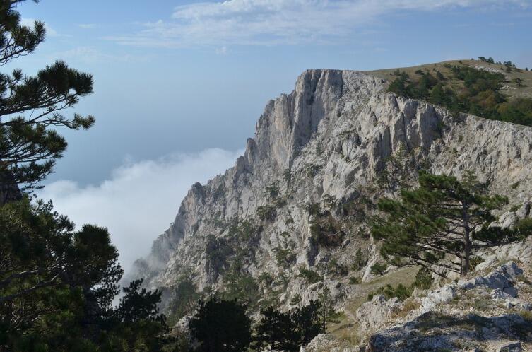 Самая известная и популярная гора Крыма — Ай-Петри