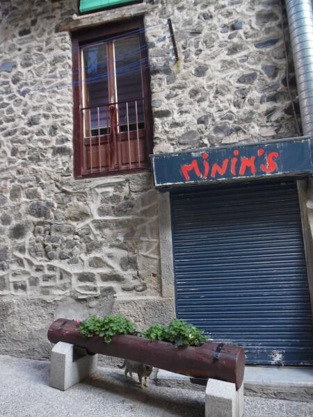 Андорра не в сезон: какая она? История и правление