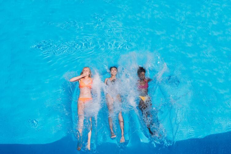 Уроки плавания. Как научиться держаться на воде?