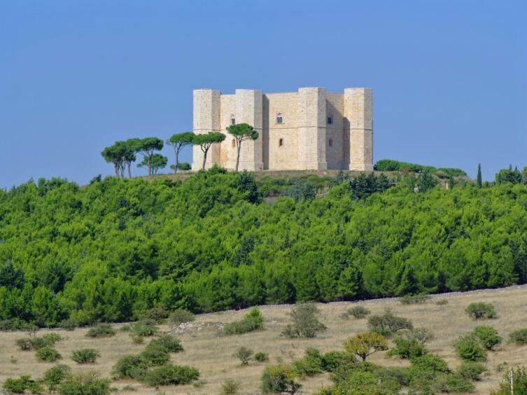 Замок Кастель дель Монте