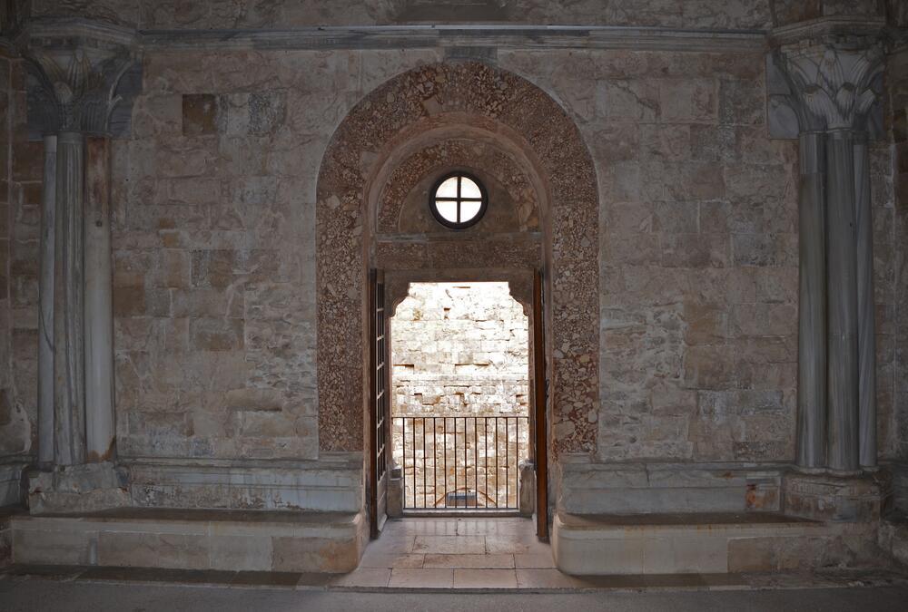 Интерьер замка Кастель дель Монте