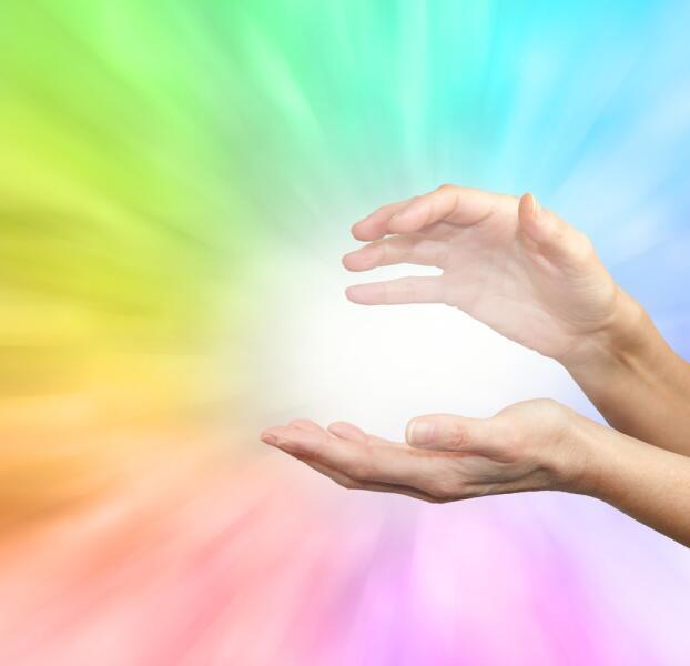 Цветотерапия относится к наиболее популярным направлениям альтернативной медицины