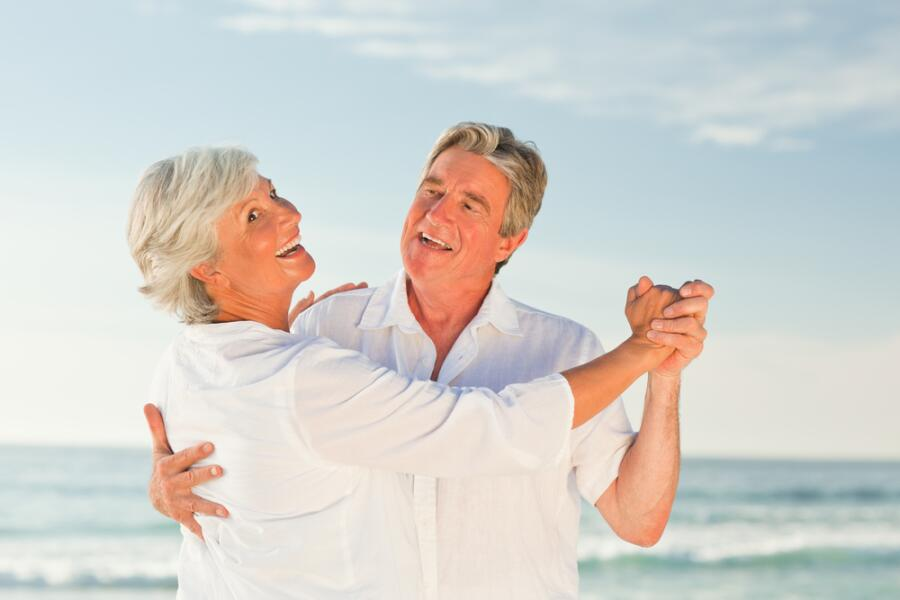 Чем полезны танцы пожилым людям?