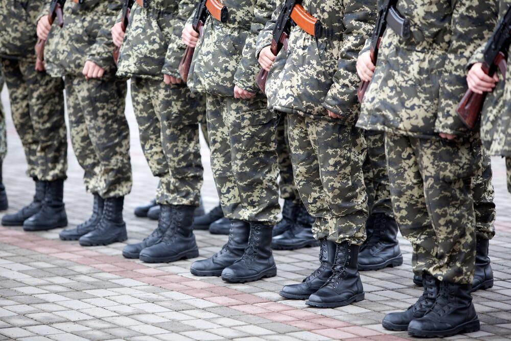 Служба в армии. Выполняются ли преступные приказы?