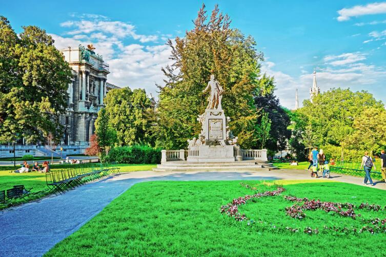 Памятник - хороший ориентир в городе