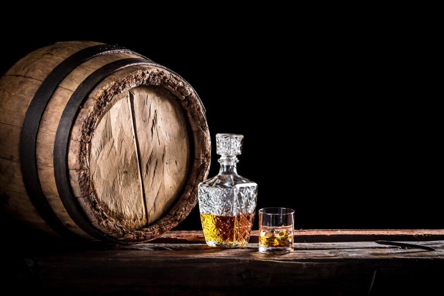 Кто и зачем изобрел виски?