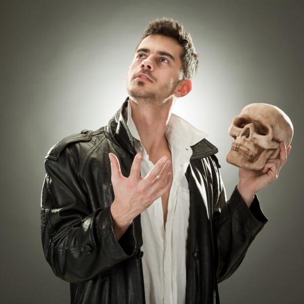 Главное — это настрой на творчество, ведь и шекспировский «Гамлет» был создан на основе переделки средневековых хроник о принце Амлете