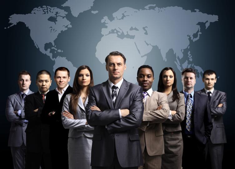 На первых порах за вами будут наблюдать все сотрудники организации, ваши действия будут на виду