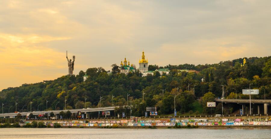 Киев, вид на Киево-Печерскую Лавру