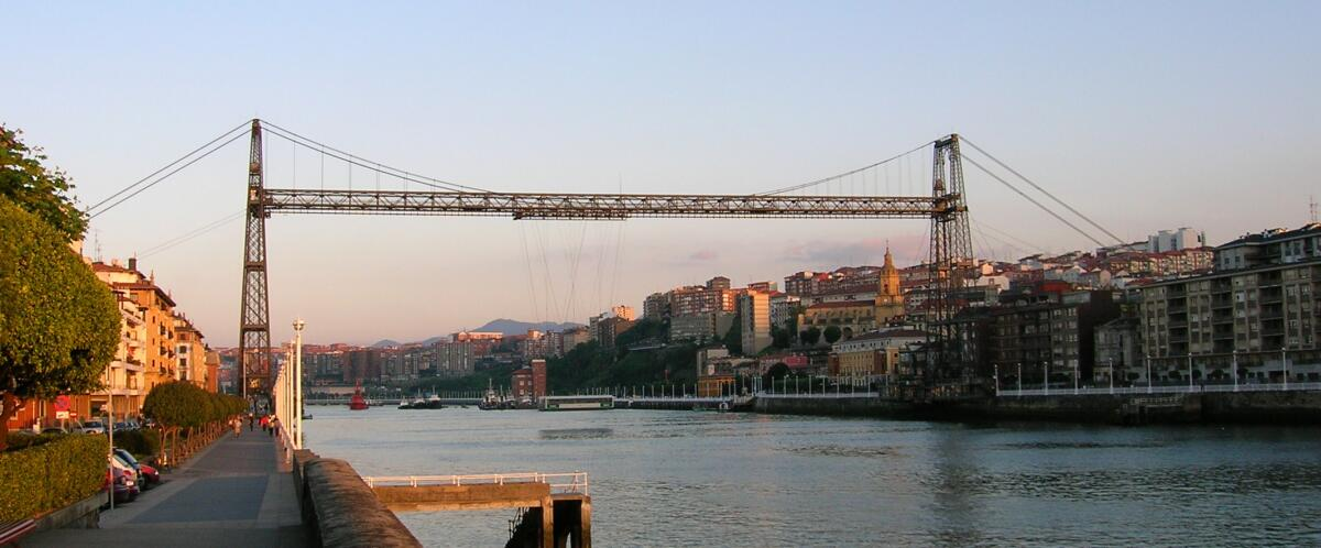 Бискайский мост через реку Нервьон