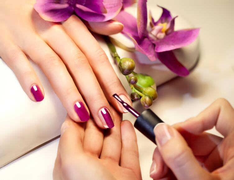 Прибыльна ли профессия «мастер по моделированию и дизайну ногтей»?