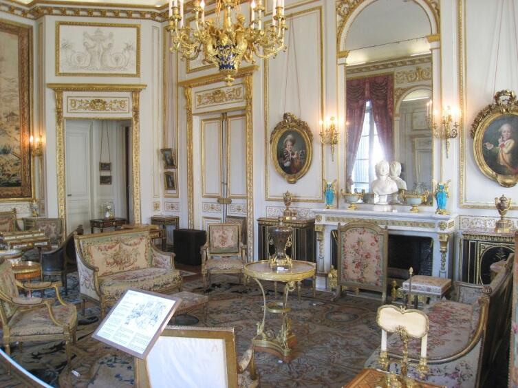 Салон в музее Ниссим-де-Камондо