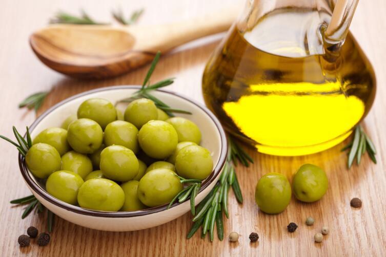 Маcло оливы - отличное средство для блеска и густоты русых волос