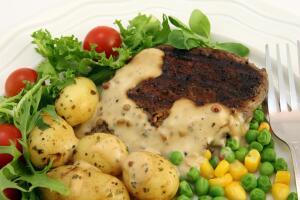 Как готовить сложные и интересные блюда, если нет времени и постоянно отвлекают? Пособие по кулинарии для молодых мам