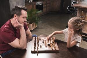 Игра в шахматы развивает изобретательность и логическое мышление.