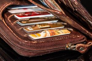 Какая кредитка с кэшбэком самая выгодная? Лидер октября - карта Touch Bank