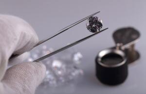 Фианит. Что представляет собой искусственный бриллиант?