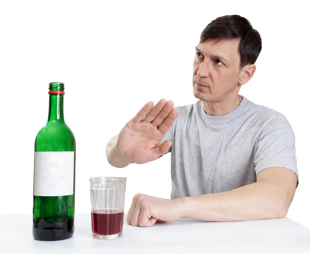 Злоупотребление алкоголем провоцирует раковые заболевания