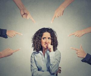 Всегда ли стоит доверять общественному мнению?