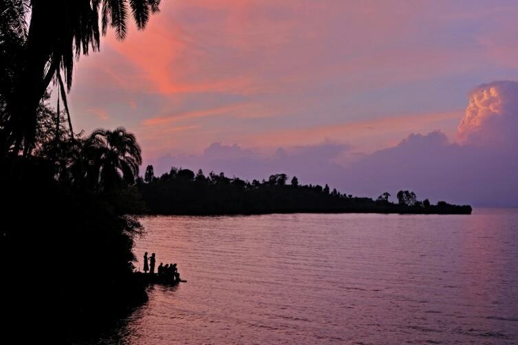 Закат на реке Конго