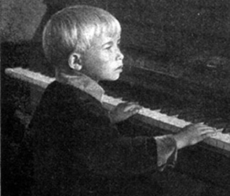 Александра Пахмутова, 1930 годы