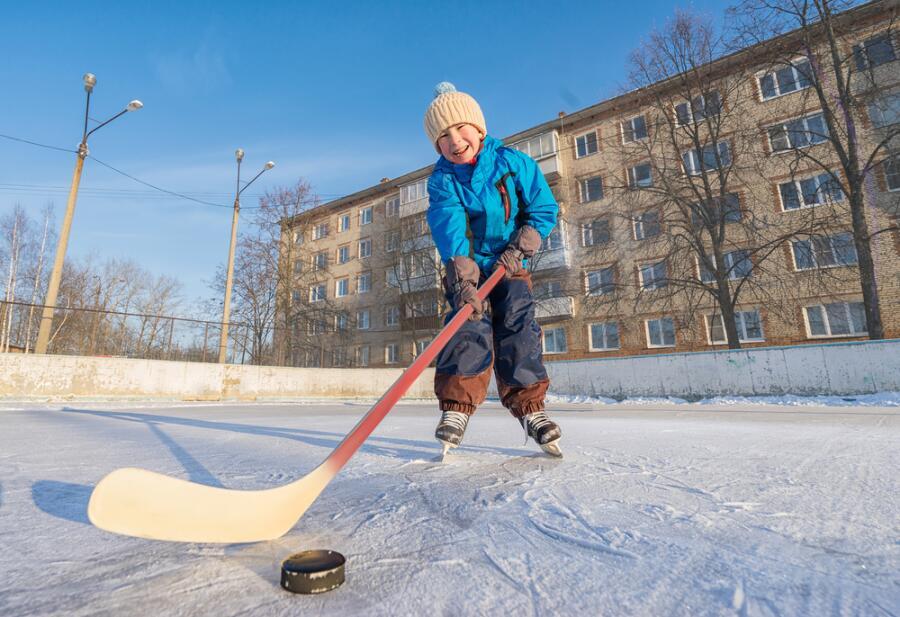 Вспомним песни Александры Пахмутовой? История песен «Трус не играет в хоккей» и «Знаете, каким он парнем был»